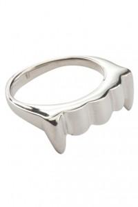 Vampire Ring