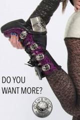 Skull buckle boots